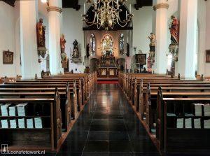 interieur kerk St Jans Onthoofding