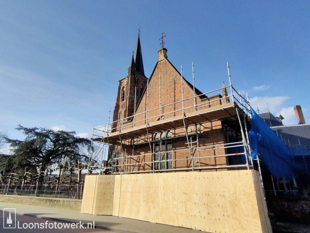 Nogmaals vernieuwen dak kerk 1