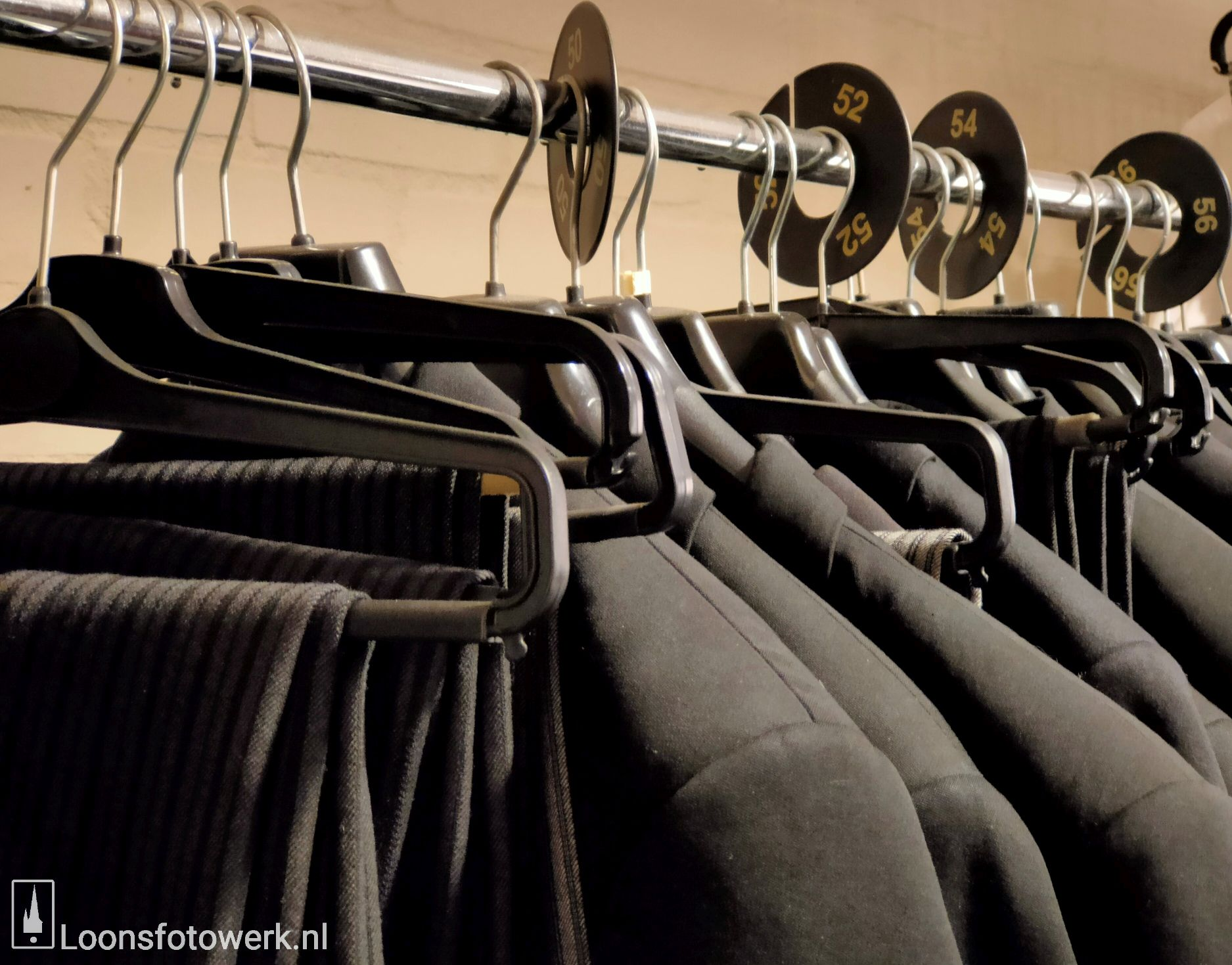 Klemo, kledingverhuur 13