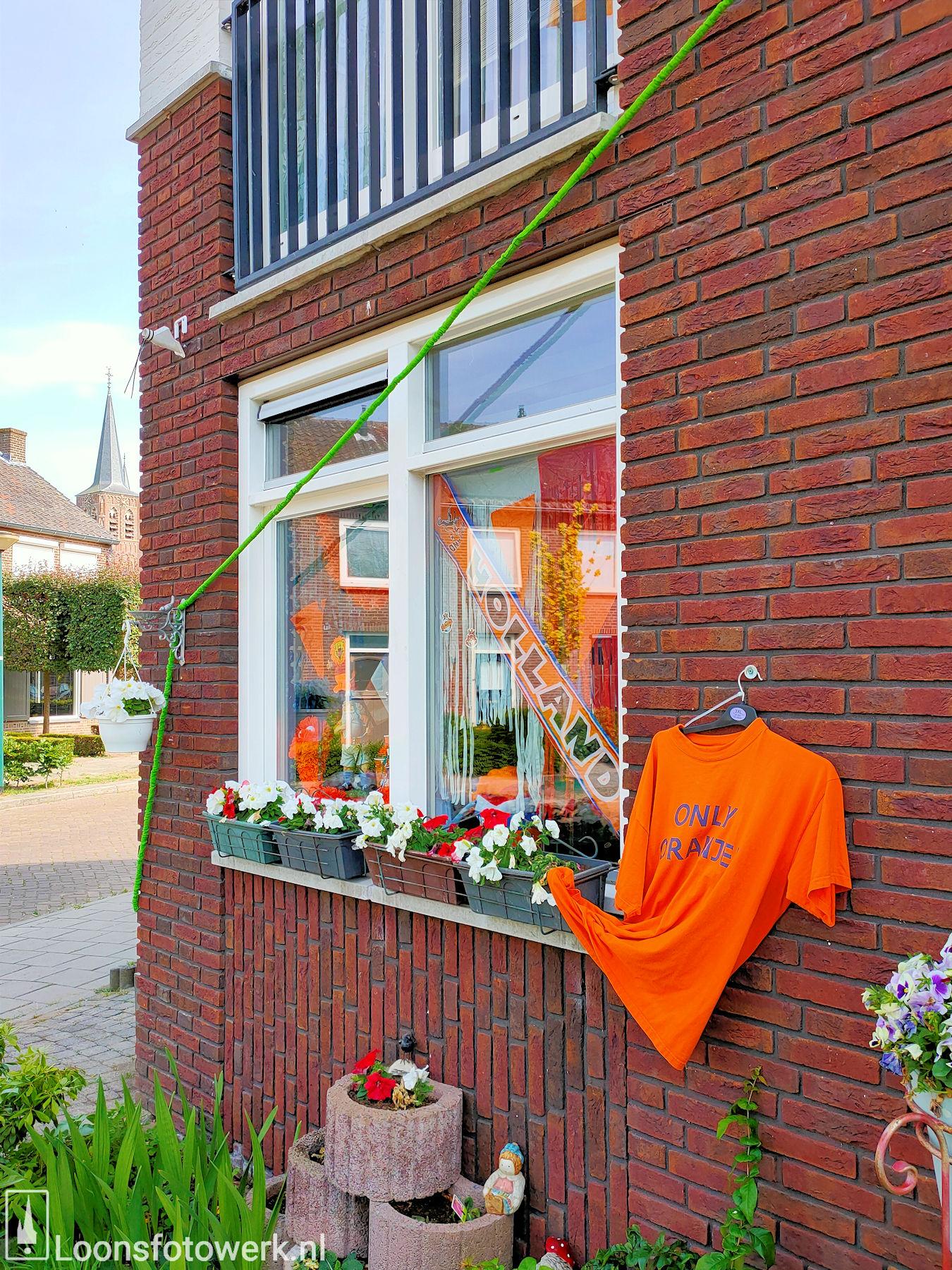 Loon kleurt oranje 15