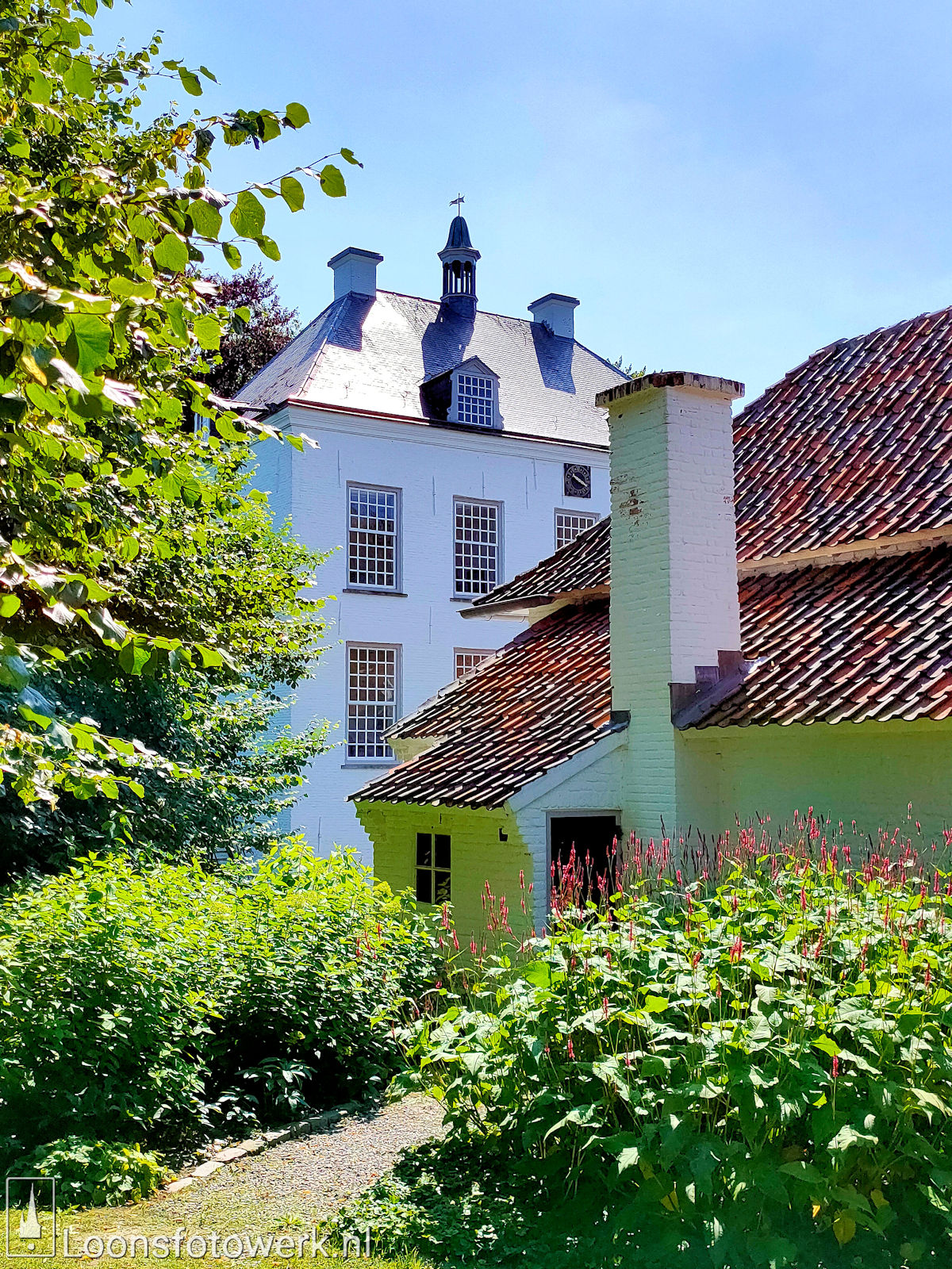 Koetshuis en tuin Witte Kasteel 4