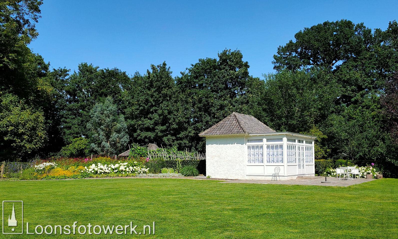 Koetshuis en tuin Witte Kasteel 10