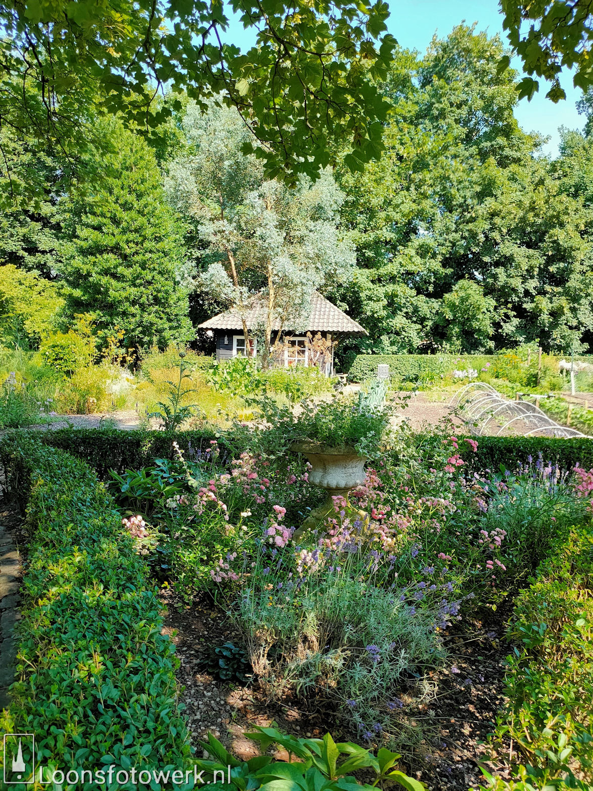 Koetshuis en tuin Witte Kasteel 11